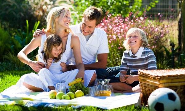 Семейные прогулки, обеды и поездки