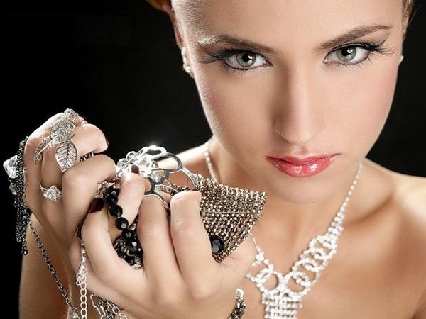 Какие ювелирные украшения в моде?