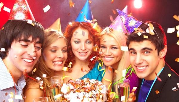 Банкетный зал или дачный участок: где провести день рождения?