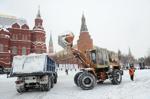 Услуги по вывозу снега в Москве