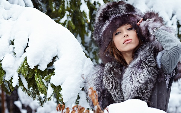 437Посмотреть порно женщин в теплой зимней одежде