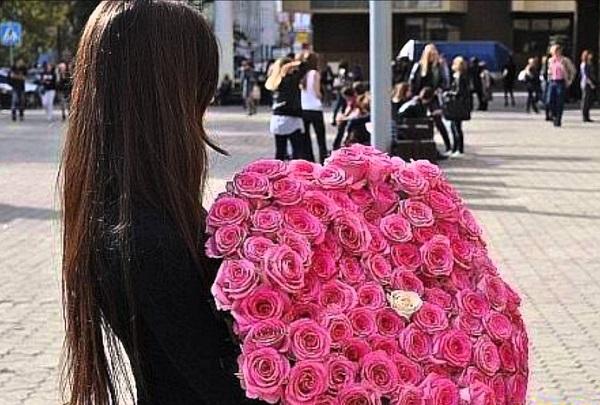 Подарить девушке розы 3