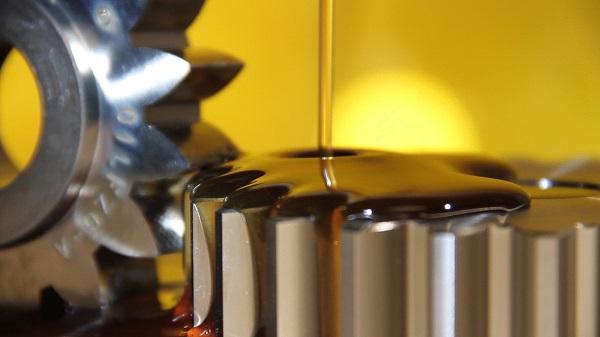 sinteticheskoe-motornoe-maslo-1