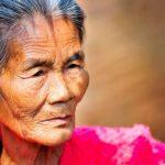 10 факторов, от которых нужно избавиться, чтобы не выглядеть старушкой