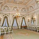 Дворец бракосочетания на Английской набережной - любимое место молодоженов Санкт-Петербурга